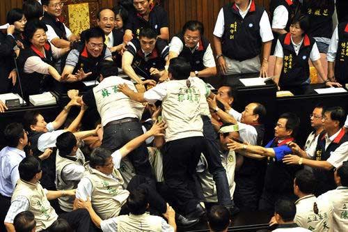 台灣的民主素質到什麼程度。 圖片來源:書見風雲
