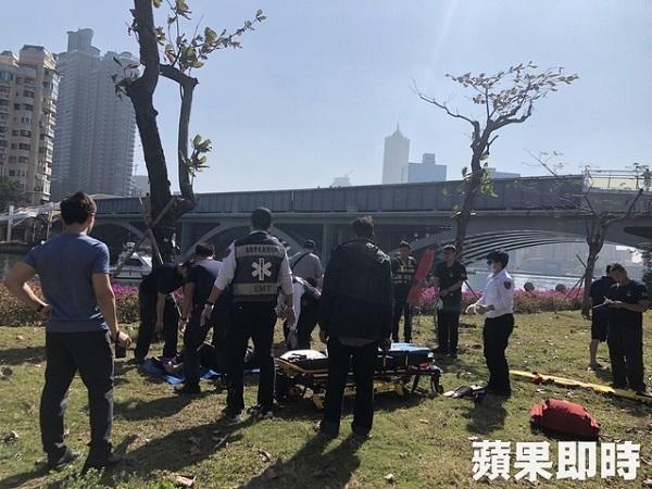 高雄市府舉辦跳愛河活動前一周,愛河發現浮屍。 圖片來源:蘋果日報