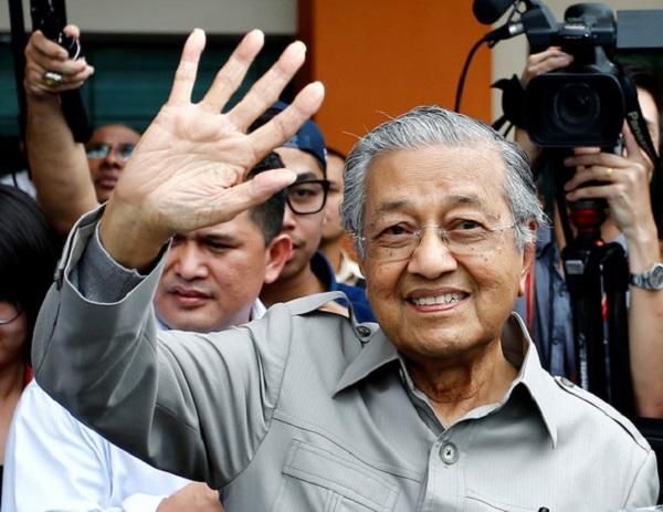 馬來西亞首相馬哈迪,為何遭政變?
