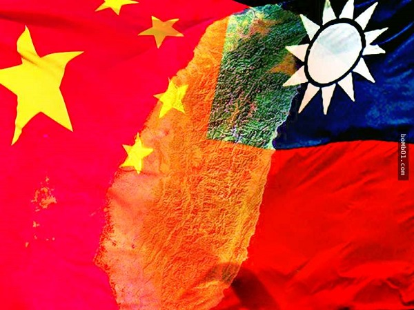 中國潰而不崩,台灣屹立不搖。 圖片來源:Bomb01