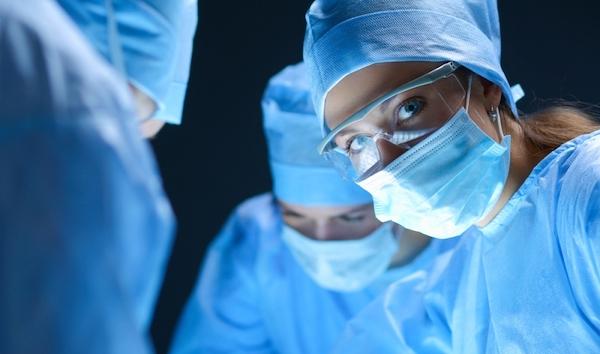 台灣健保是犧牲醫護的廉價醫療。 圖片來源:Shutterstock