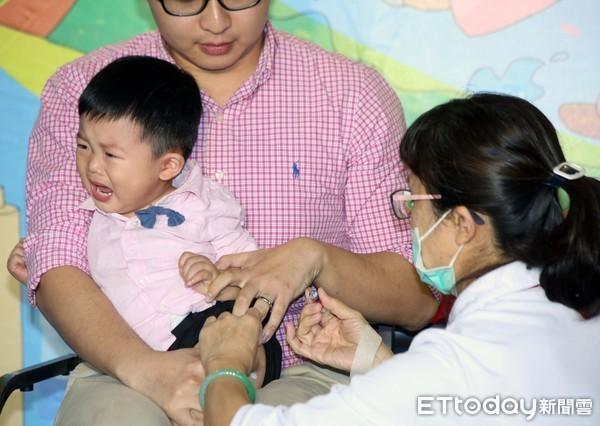 新冠疫情期間,打流感疫苗更顯重要。 圖片來源:ETToday