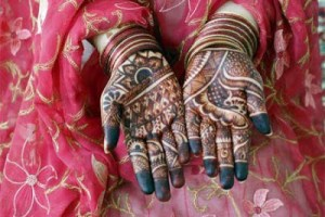 Latest Chand Raat Beautiful Hand Mehndi Designs 2013-2014 For Women (1)