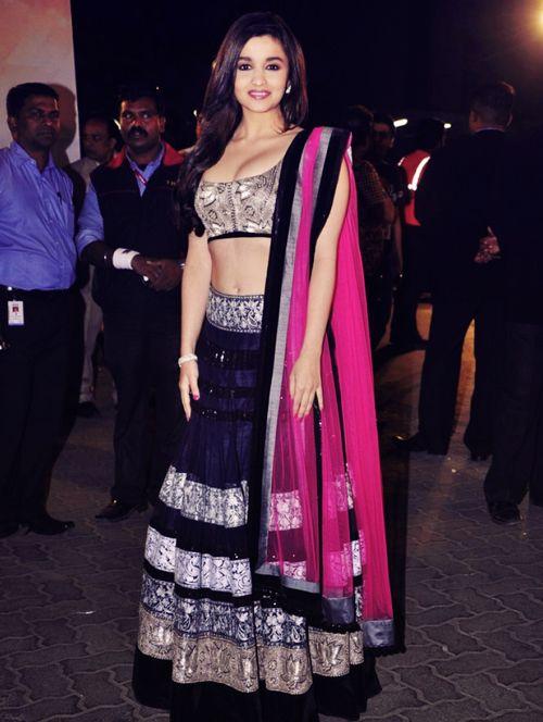 Bollywood Actress Splendid Lehenga Choli 2016 For Wedding (8)