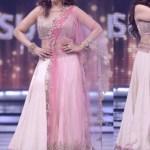 Bollywood Actress Splendid Lehenga Choli 2016 For Wedding (2)
