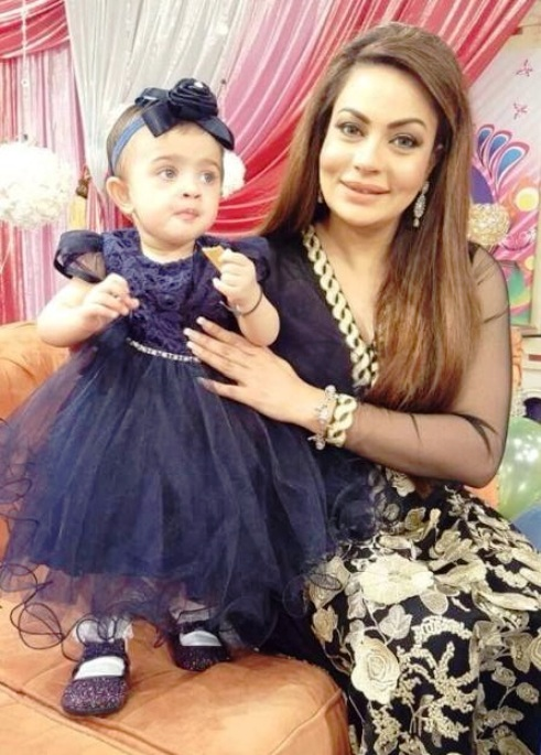 Actress Sadia Imam Daughter's Birthday Pictures Gallery (5)