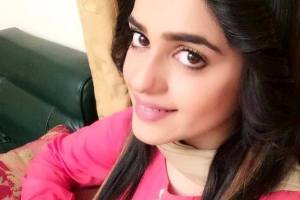 Sumbul Iqbal with jeans and tops
