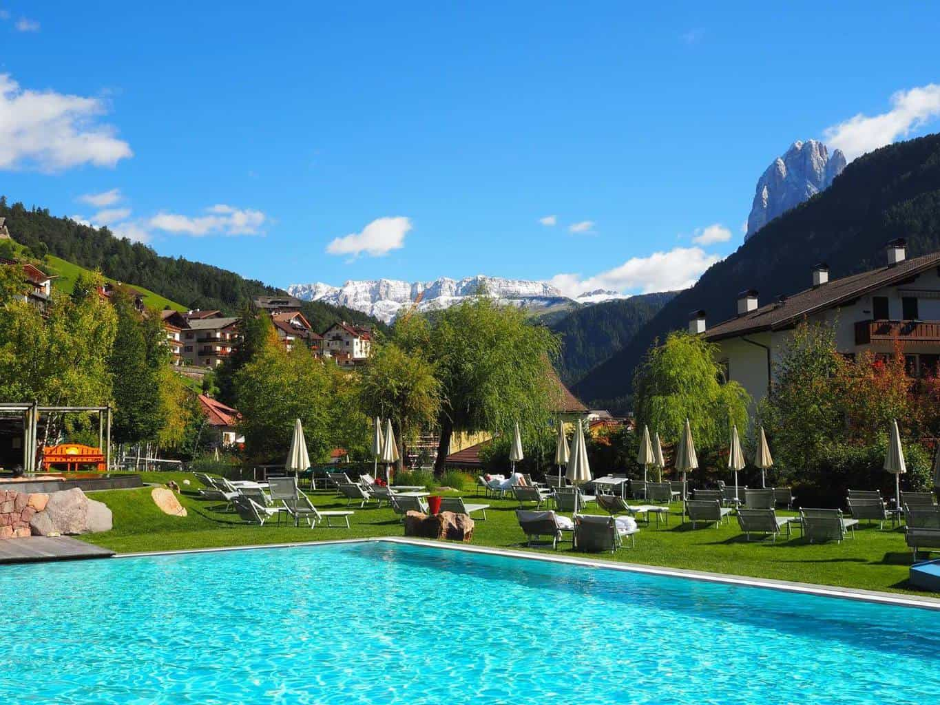Gardena Berlin Walking Wellness In Val Gardena In The Italian Dolomites
