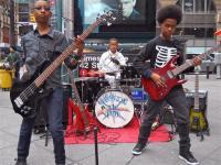 Können so böse wie die großen Metalbands gucken, sind aber noch nicht mal strafmündig: Unlocking The Truth aus Brooklyn.