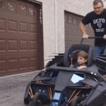 """""""Superfan"""" kriegt Batmobil als Kinderwagen"""