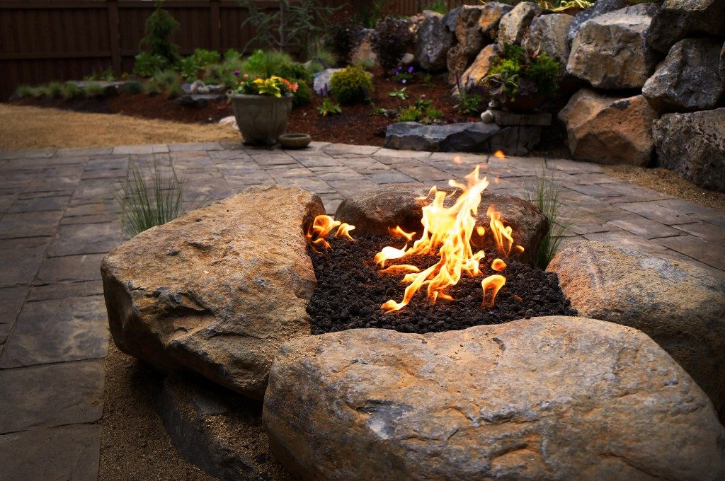Gas Feuerstelle Outdoor Paver Patio And Gas Fire Pit Install | Newport Ave Landscaping