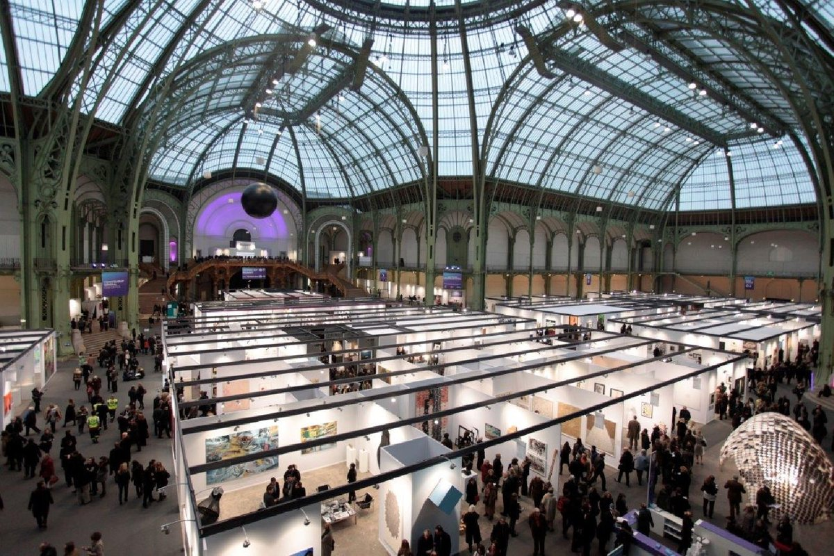Art Paris Paris Photo To Pay Galleries For Closure Artnet News
