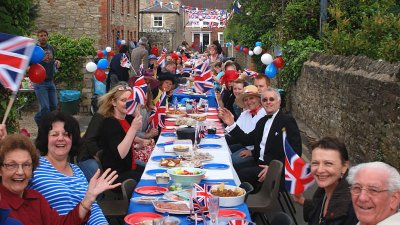 BBC News - In pictures: Wiltshire celebrates the royal wedding