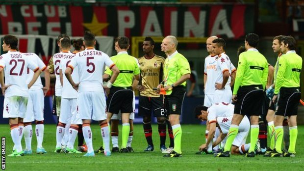Serie A match between AC Milan and Roma halted because of racist chanting
