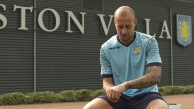 BBC Sport - Aston Villa's Alan Hutton explains the meaning behind tattoos