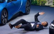 الرئيس التنفيذي لشركة BMW يصاب بنوبة ارهاق تفقده الوعي امام الكاميرا