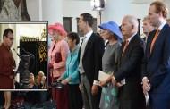 البرلمان الهولندي يفتتح جلساتة بأيات من القران شاهد تأثر مقدمة الحفل من جمال التلاوة