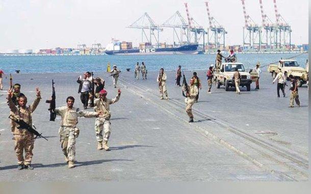 اخبار اليمن – عاجل الوية العمالقة وحراس الجمهورية يدخلون ميناء الحديدة – فيديو