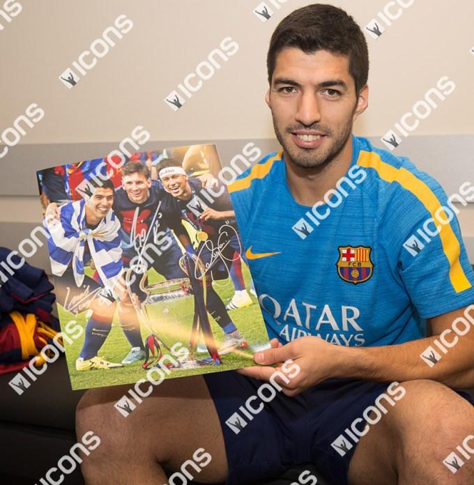 Luis-Suarez-Icons-Signing-Photos