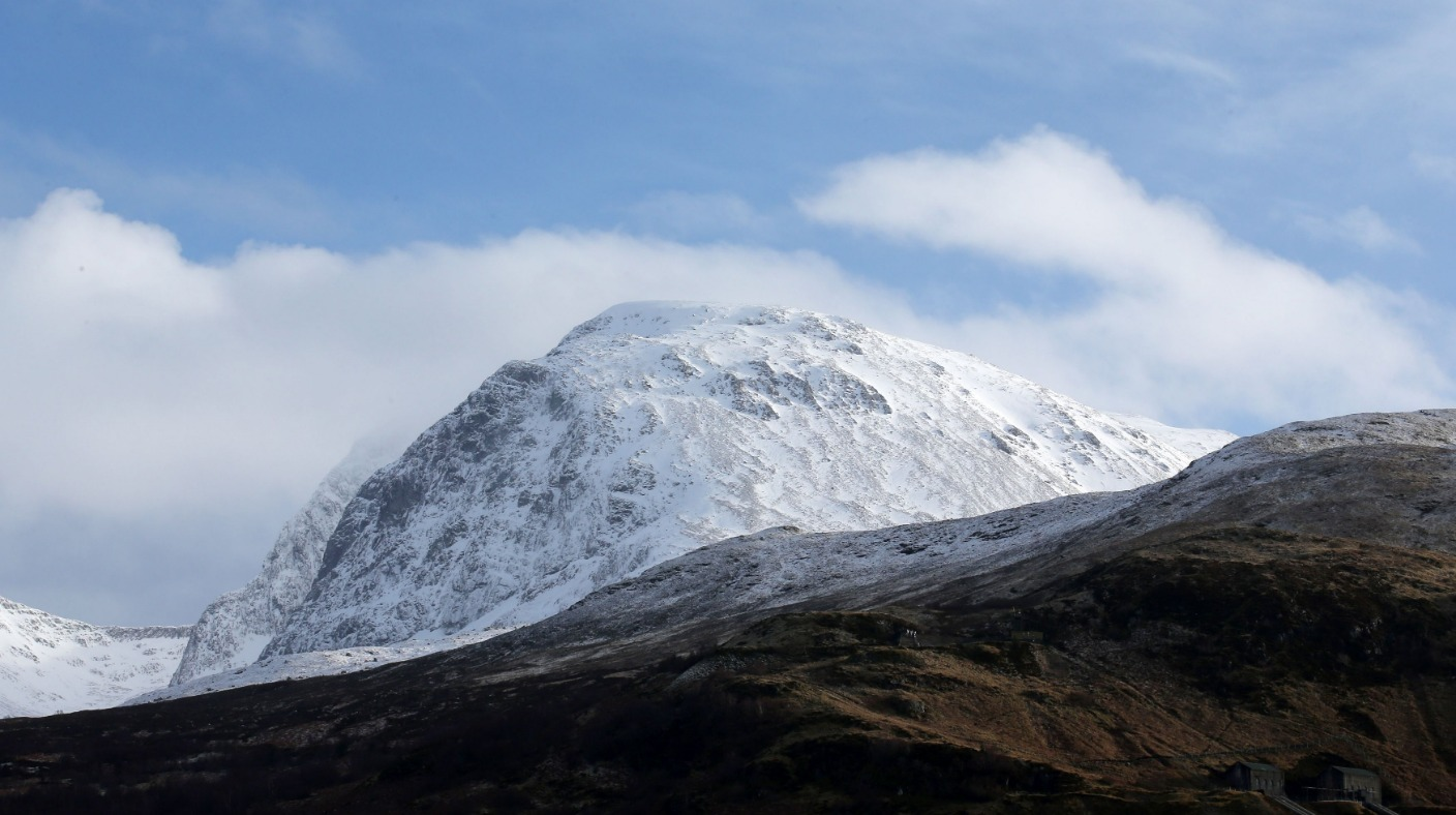 Air Travel Uk Weather Three Climbers Killed On Ben Nevis After Avalanche Hits Uk