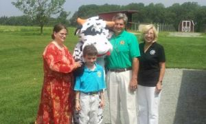 Last year's trail blazer winner Dawn Farris and her son Andrew joined Secretary Hance and Deputy Secretary Setting in launching the 2013 trail at Kilby Cream in Cecil County today.