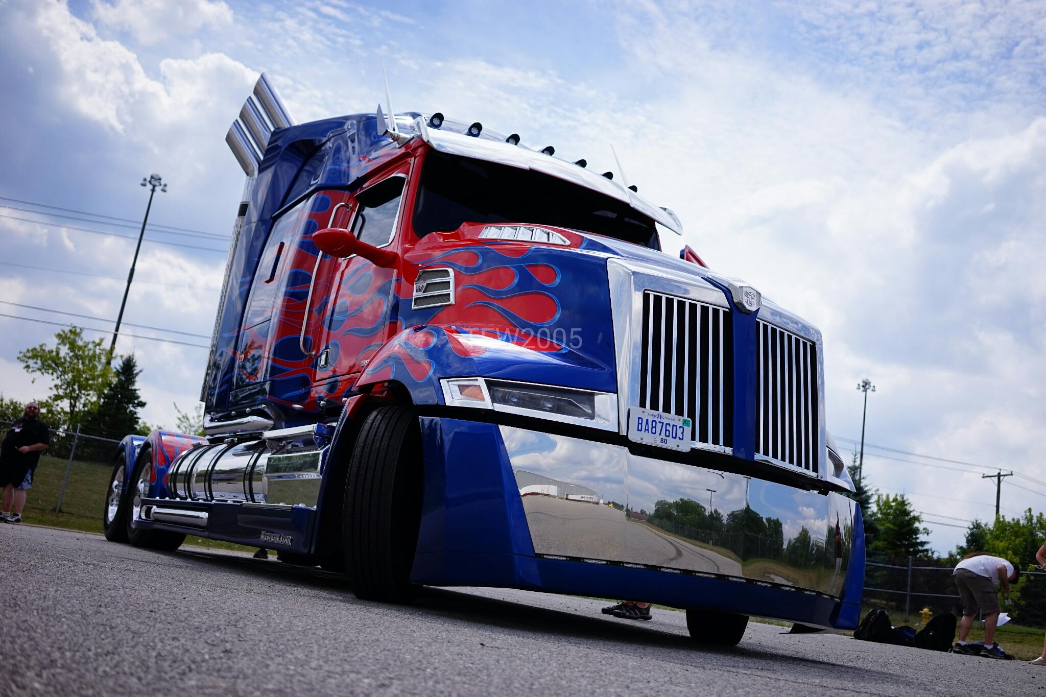 Car Transformer Live Wallpaper Transformers 5 Set Visit Optimus Prime Shines