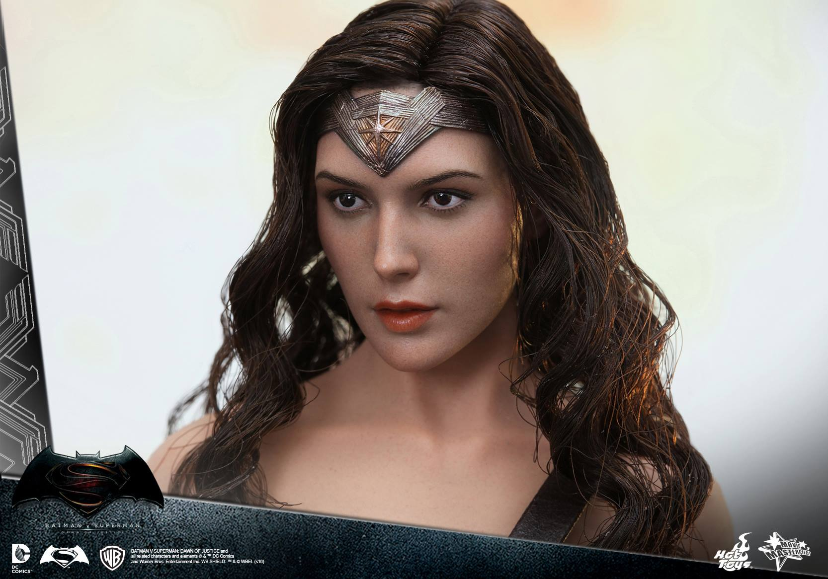 Spada Wonder Woman Batman V Superman Wonder Woman Figure By Hot Toys The