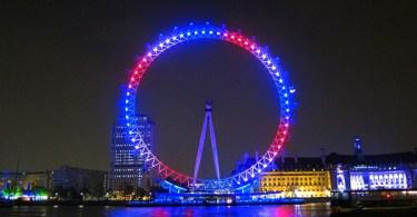 عين لندن بإضاءة مميزة خلال الزفاف الملكي للأمير ويليام وكيت ميدلتون في 2011