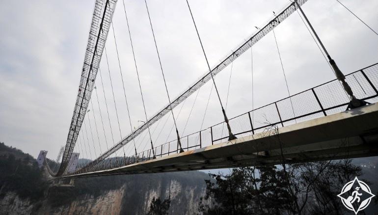 جسر تشانغجياجيه الزجاجى3