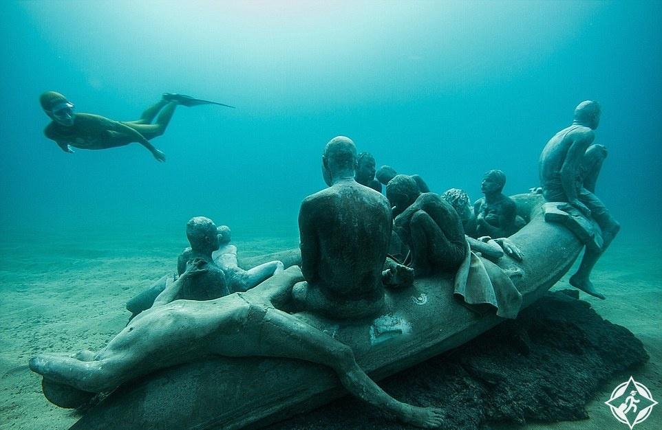 بالصور.. افتتاح أول متحف نحت تحت الماء فى أوروبا