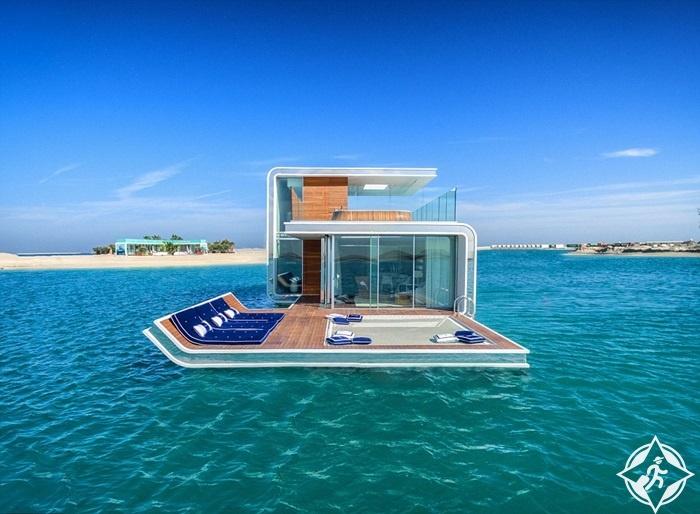 فرس البحر العائمة.. فيلات مع غرف نوم تحت الماء في دبي