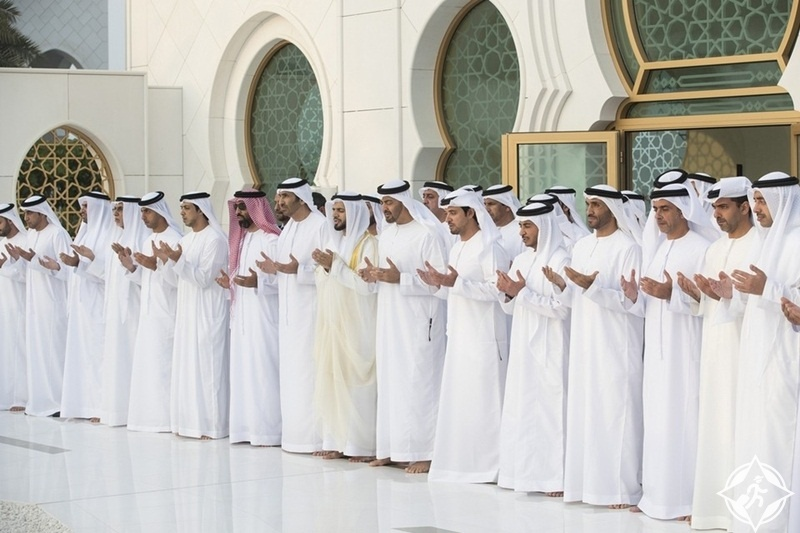 صلاة العيد في مسجد الشيخ زايد
