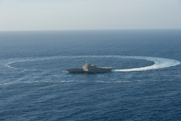 USS Independence (LCS 2) shows its maneuverability while underway in the Pacific Ocean on April 23, 2014. US Navy Photo