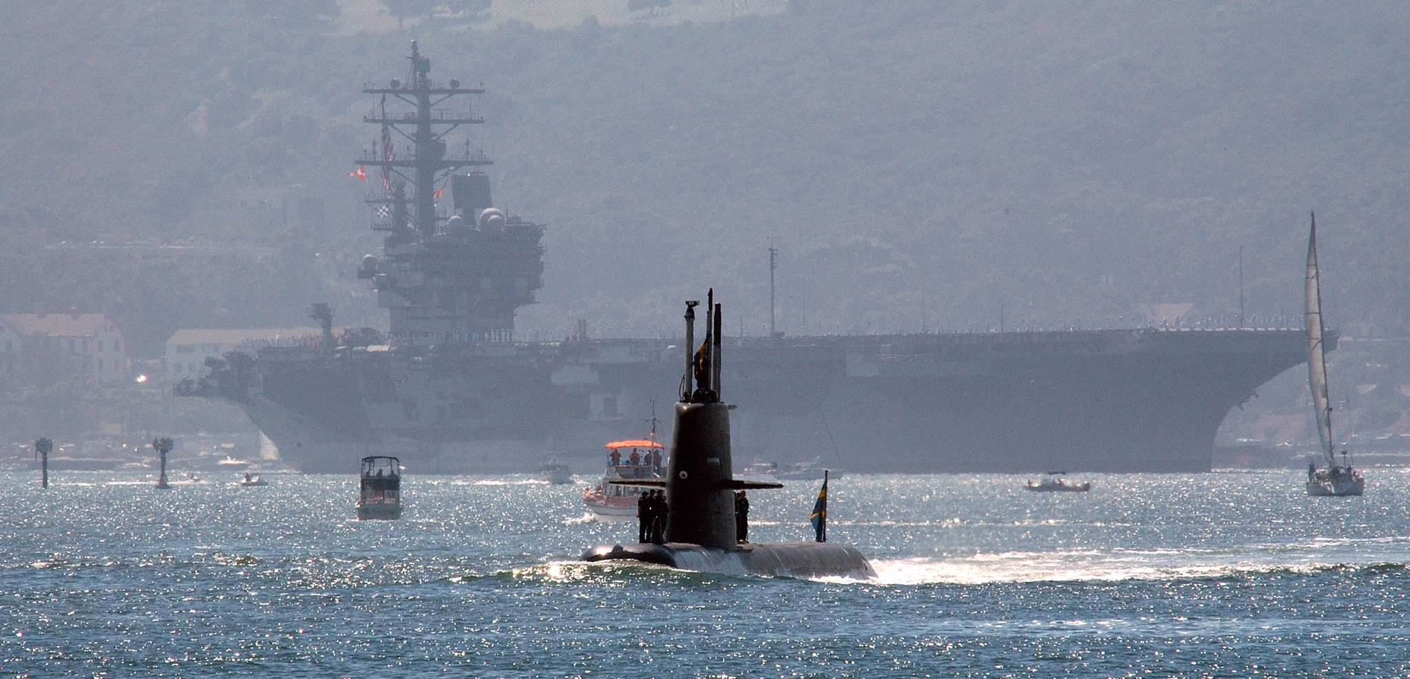 Swedish sub Gotland at Naval Station San Diego, Calif. with USS Ronald Reagan (CVN-76) in the background. US Navy Photo