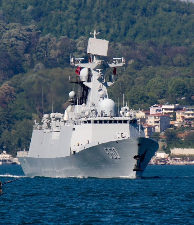 Chinese frigate Weifang leaves the Black Sea on May 14, 2015. Photo by Yörük Işık