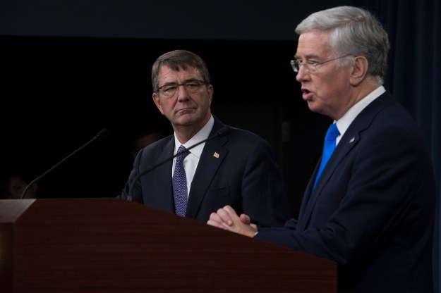 U.S. Defense Secretary Ash Carter and British Defense Secretary Michael Fallon conduct a joint news conference at the Pentagon Dec. 11, 2015. DoD Photo