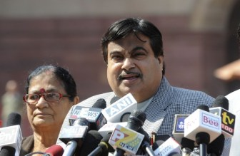Gadkari to IT officials: Remember, Congress on its way out