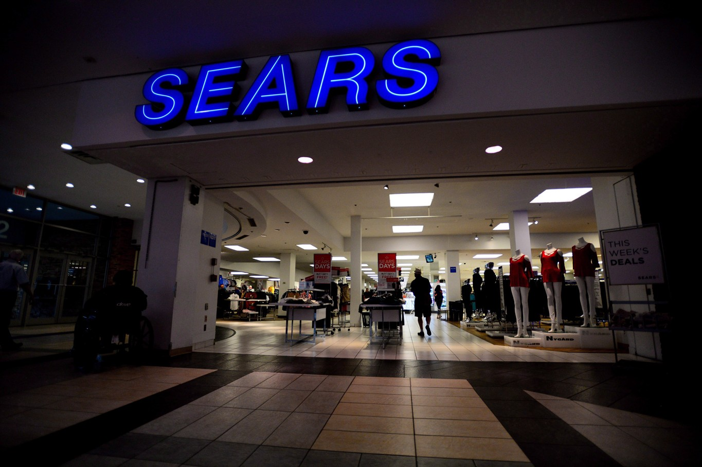 Liquidation World Toronto Court Grants Sears Canada Approval To Begin Liquidation