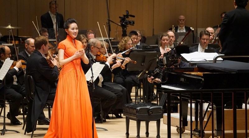 ei Jia Brings Her quintessential voice to North American audiences (PRNewsFoto/Lei Jia Music Studio)