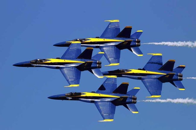 Blue Angels formation 900px