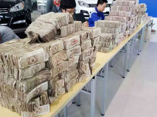 Man used wall of cash to pay for car