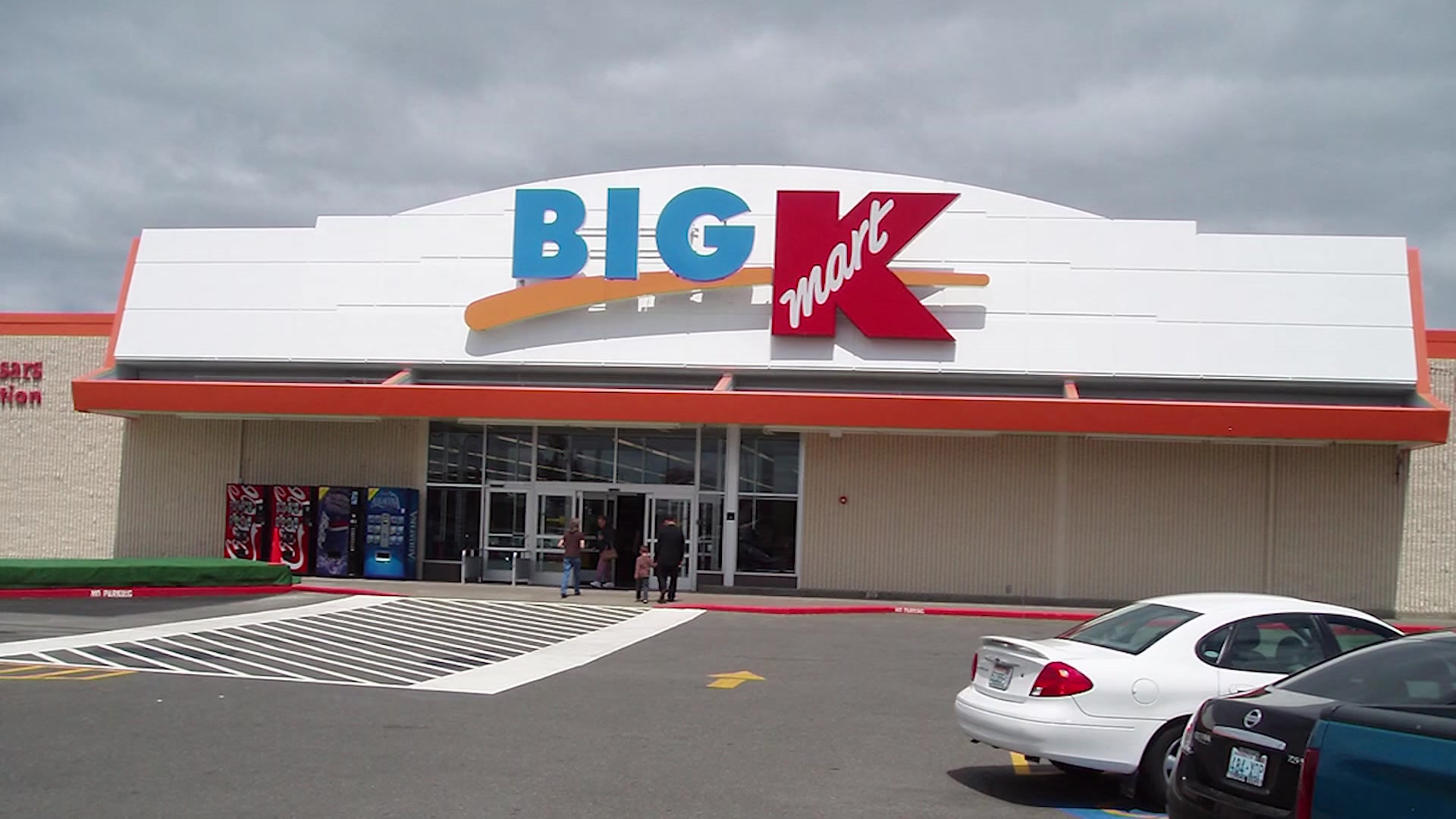 Infant Carrier Kmart South Milwaukee Woman Allegedly Left 3 Small Children In Car
