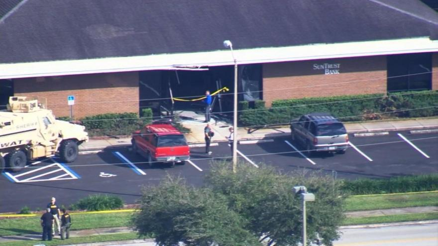 At least 5 people killed at SunTrust Bank in Sebring, Florida