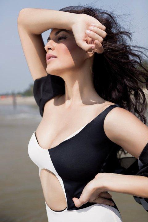 Kareena Kapoor New Hd Wallpaper Jacqueline Fernandez Hot Hd Wallpapers News Flip