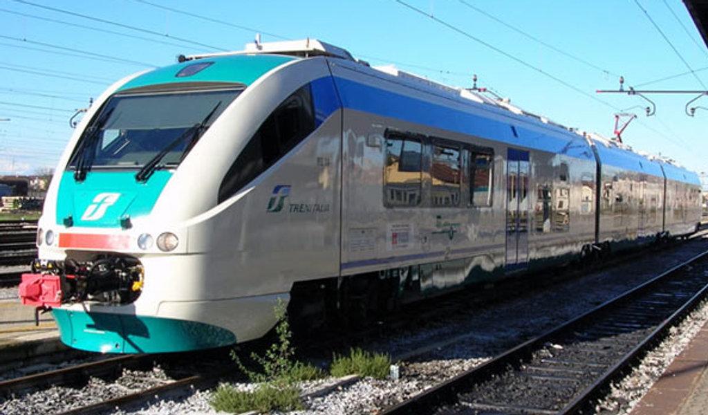 Pendolari, rivoluzione dei biglietti Trenitalia: dal 1° agosto valgono solo 24 ore