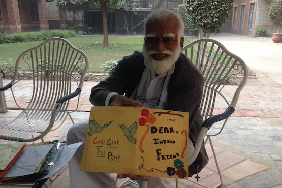 Catholic priest bridges Indo-Pakistan divide by delivering hand written letters from kids