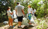 The volunteers loaded scores of garbage bags of trash, including bottles, paper, cigarette butts, cans, tires and even personal items such as clothing, said Nstor Figueroa, president of IAMCP Puerto Rico.