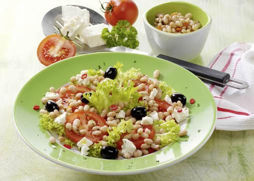 Bohnen-Tomatensalat mit Schafskäse Foto: Wirths PR