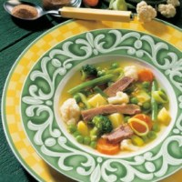 Gemüsesuppe mit Rindfleisch (cholesterinarm)