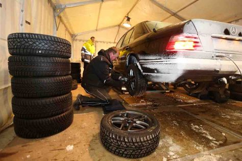 Wintereinbruch: Jetzt wird es Zeit für den Reifenwechsel Foto: ADAC